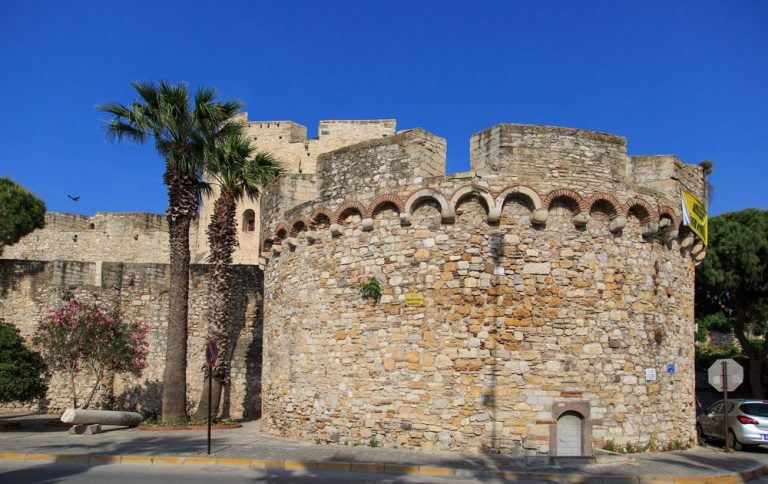 Cesme Fortress