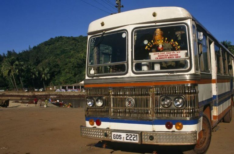 Bus in Gokarna