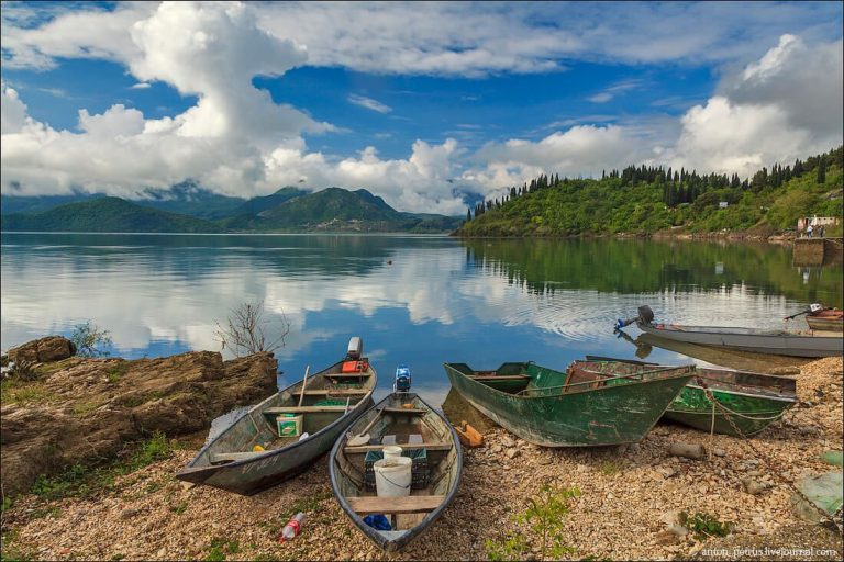 Wooden boats by the lake