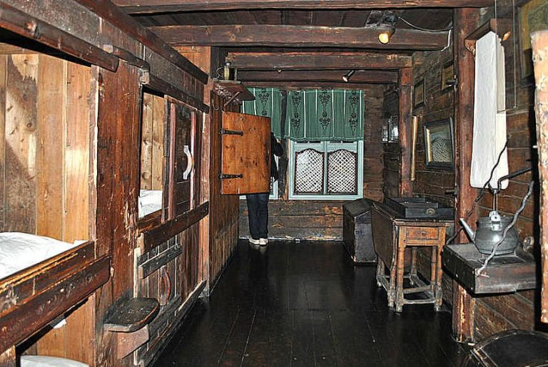 Photo: one of the rooms for the servant