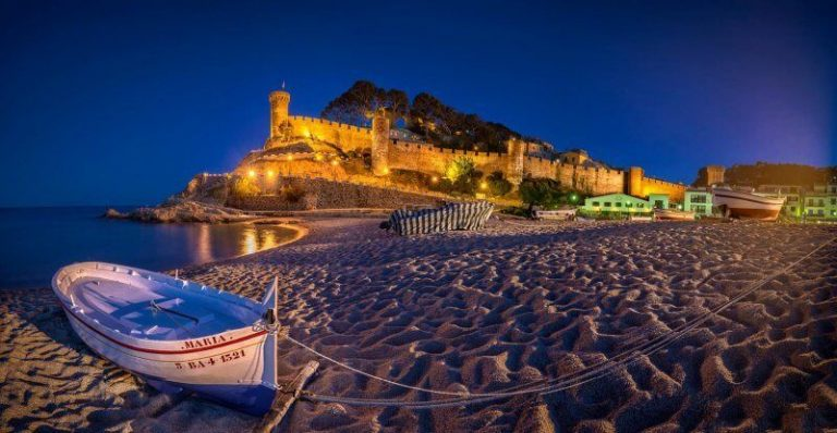 Tossa de Mar in the evening