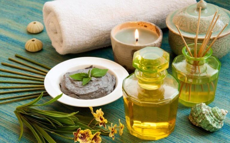 Massage with aromatic oils