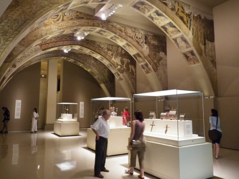 Exposition at the National Museum of Art of Catalonia