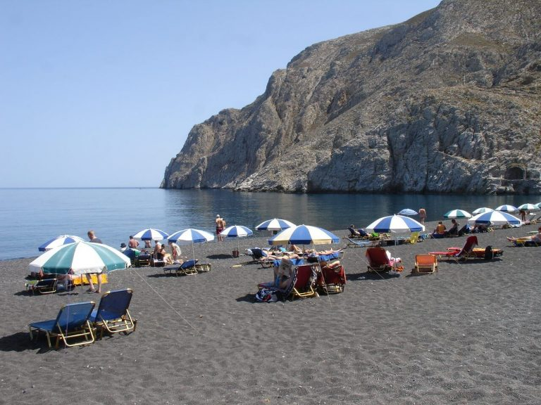 Kamari - the main beach area in Santorini