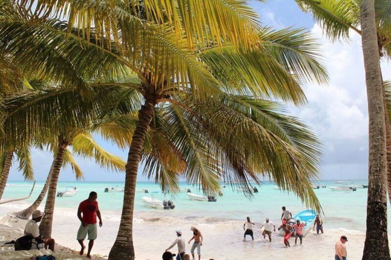 Excursions on the island of Saona