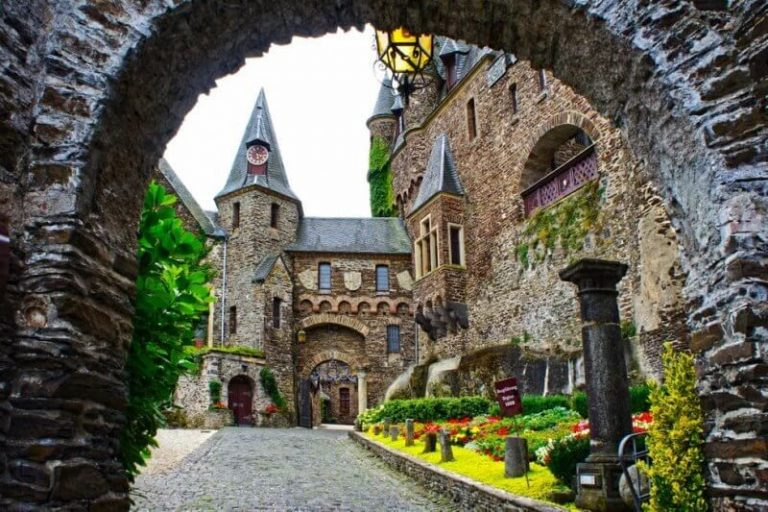 Entrance to Reichsburg Castle
