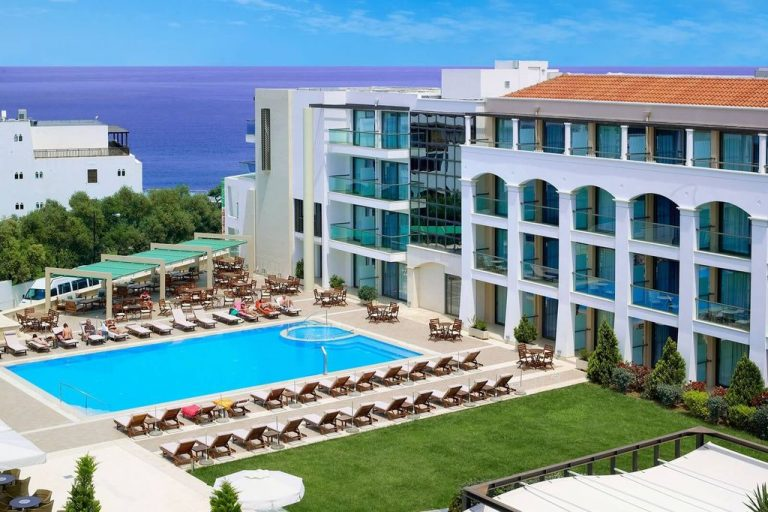 Five star hotel Albatros Spa & Resort Hotel