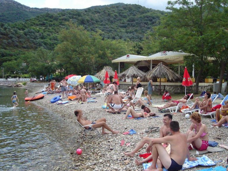 Relax on the beach of Opatovo