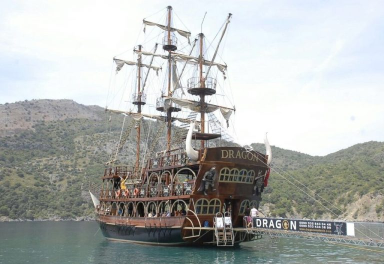 Oludeniz Boat Tour with Dragon