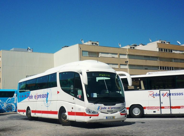 On such a bus you can get from Porto to Braga