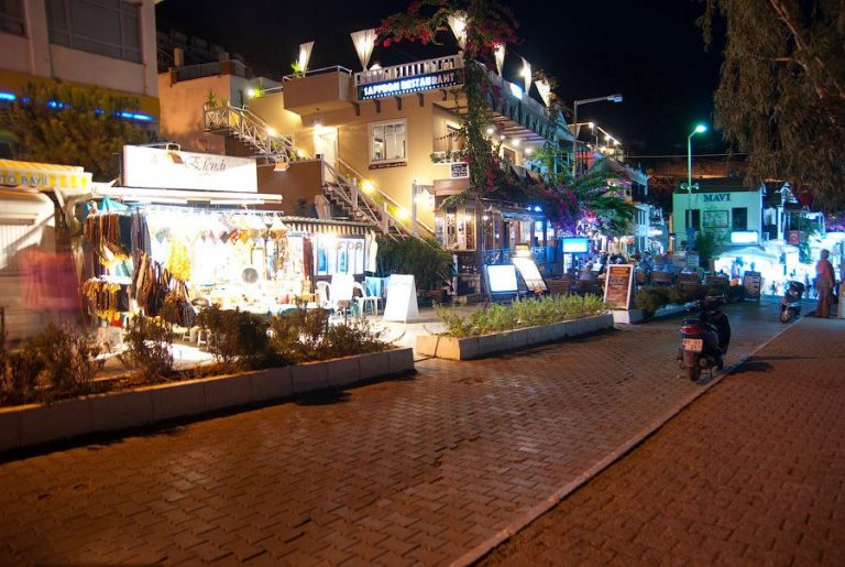 Cafes in the city of Kas