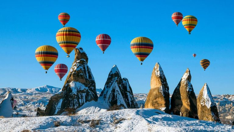 Hot air balloon flights in winter