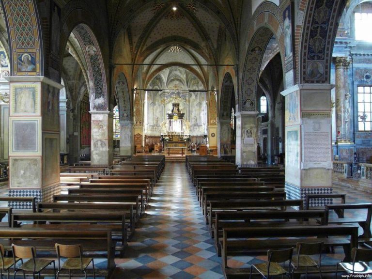 The interior of the cattedrale di san lorenzo