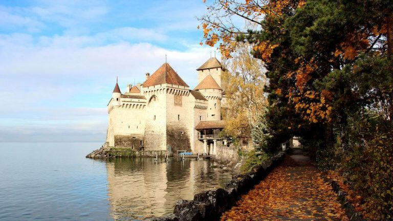 Walk to Chillon