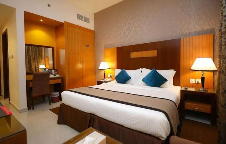 Room at City Tower Hotel