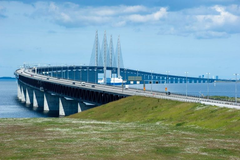 Öresund bridge from the Swedish side