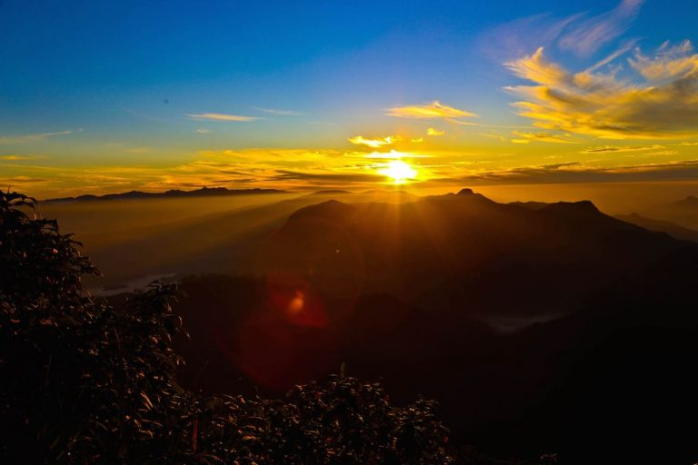 Photo: Dawn at Adam's Peak