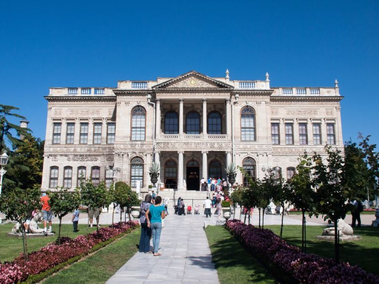 Dolmabahce Palace, internal facade