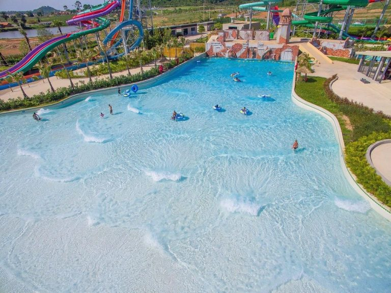 Double Wave Pool
