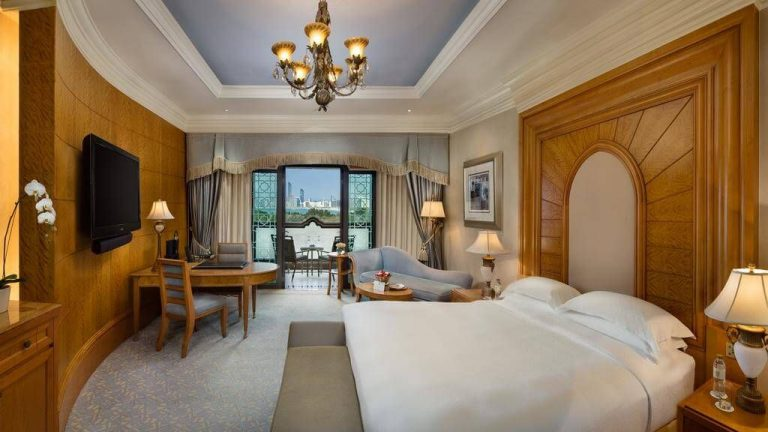 Room in 5 * hotel Emirates Palace Hotel