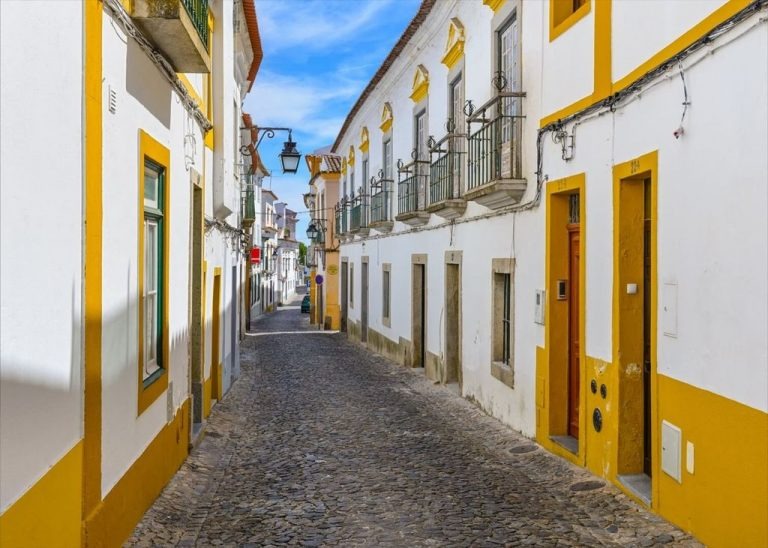 Evora - a city with amazing residential areas