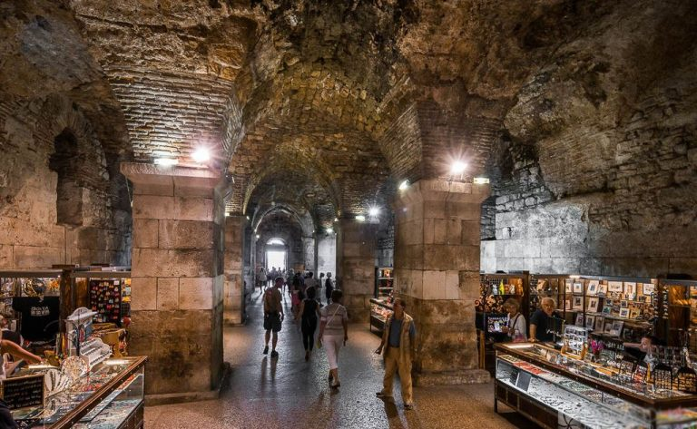 Fair in the dungeon of Diocletian's Palace