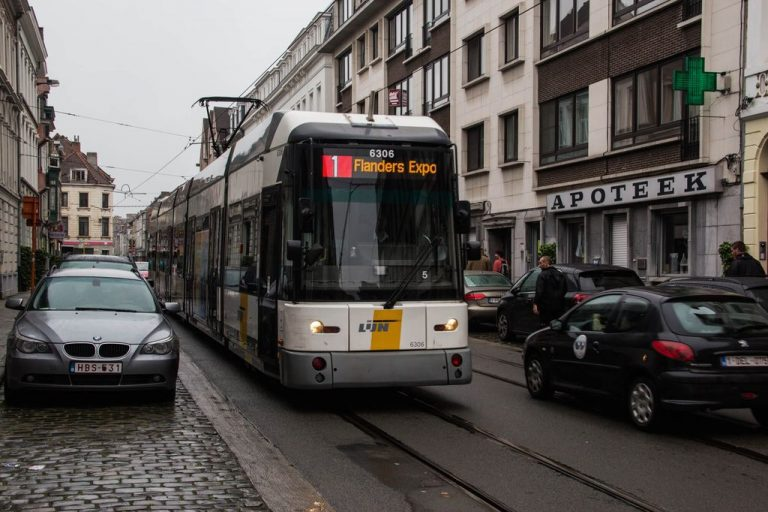 Such trams ride in Ghent