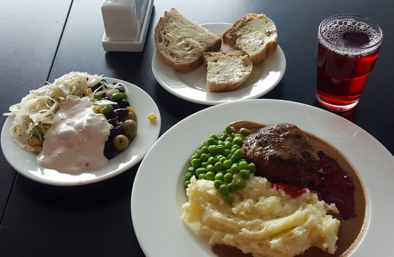 You can have a meal in the cafe at the museum
