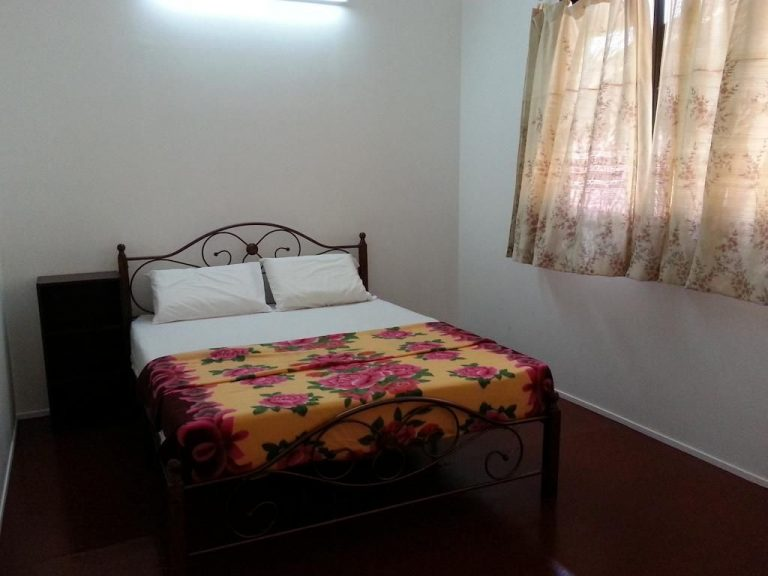 $ 15 Room at 54 Guesthouse