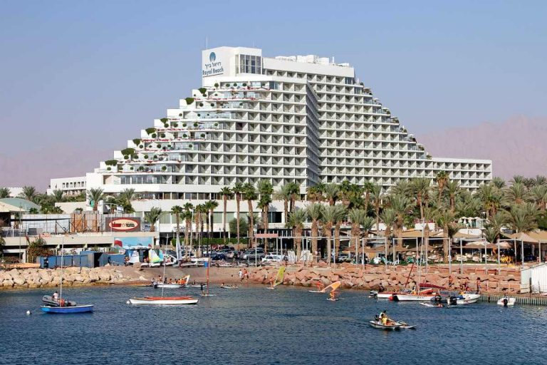 Hotel on the first coastline of Eilat