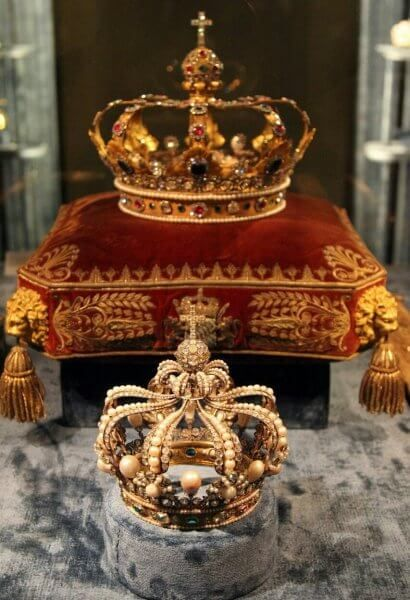 Crowns in the Treasury