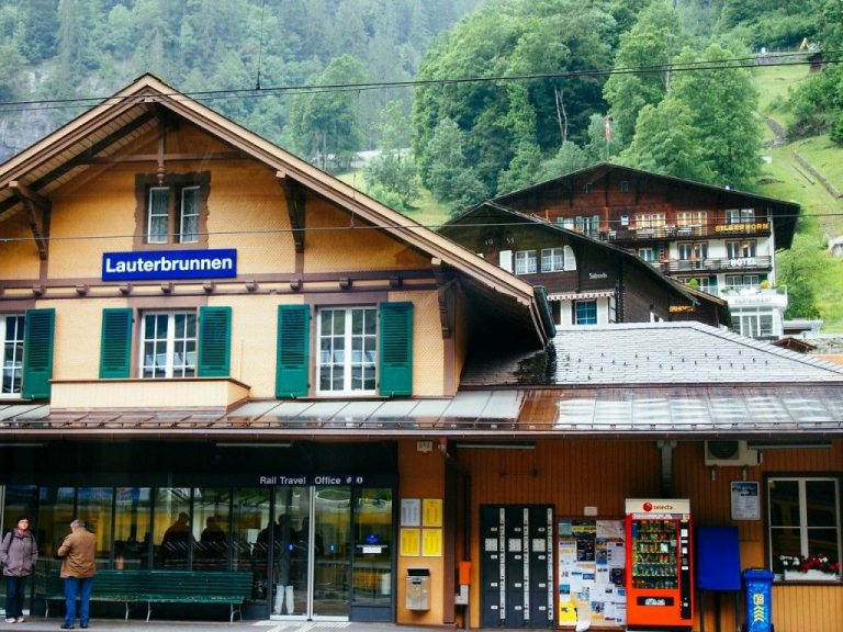 By train to Lauterbrunnen station