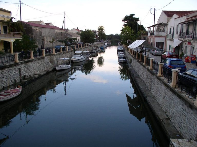 Canal in the settlement of Lefkimi