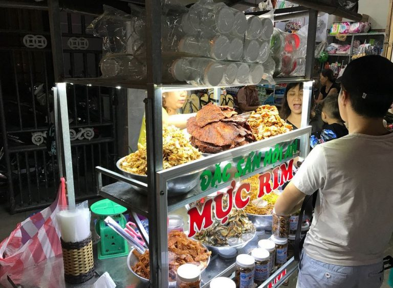 Local cuisine at Nguyen Hoang Street