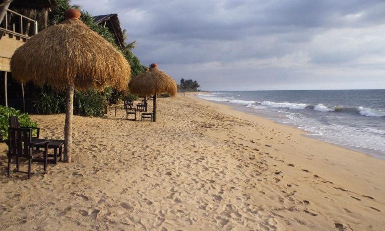 Mount Lavinia is a popular resort in Sri Lanka