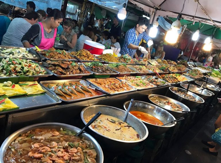 Meals at the night market Teprazit