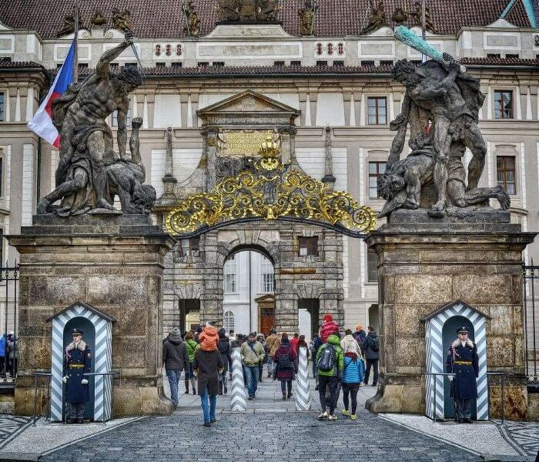 Gate to the Royal Palace