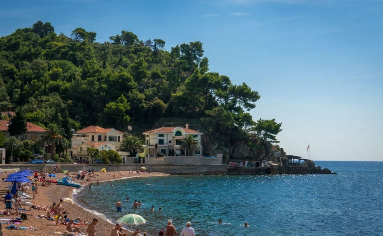 City beach Petrovac