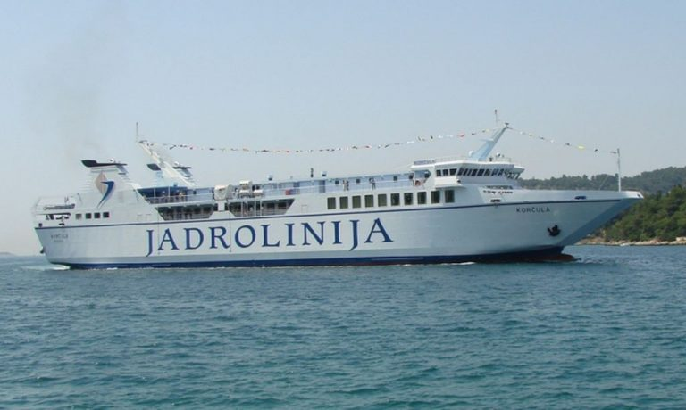 Ferry to the island of Brac