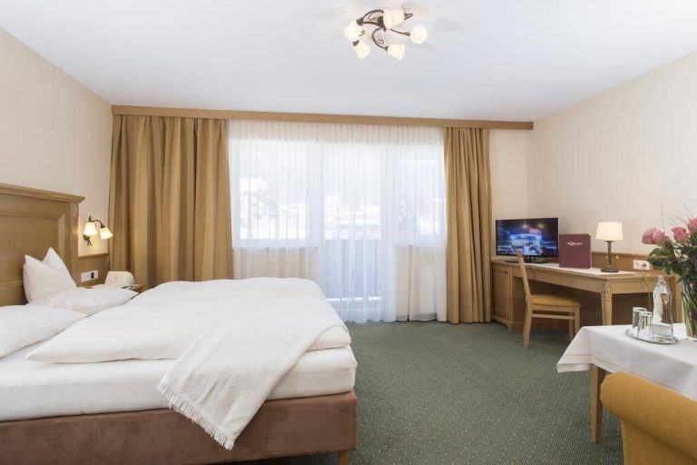 4-star room at Parkhotel Seefeld
