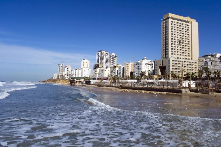 Hotels in the resort of Bat Yam