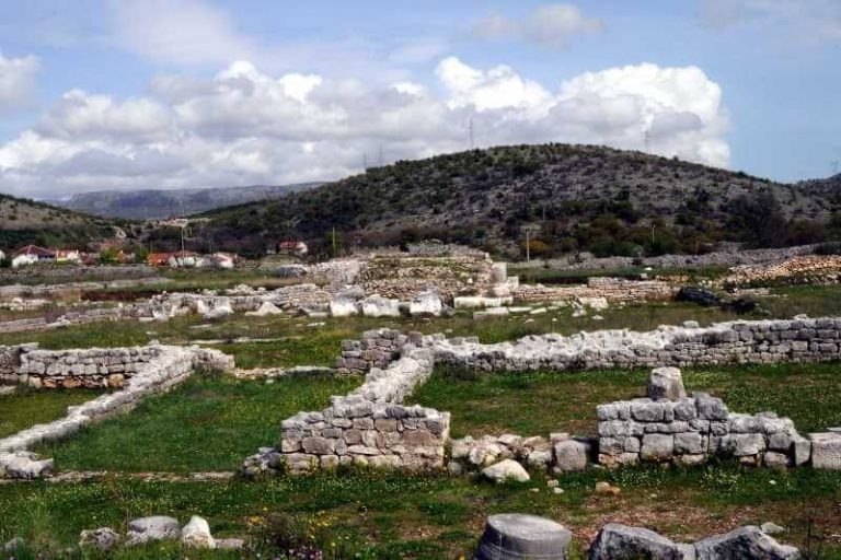 Photo: ruins of an ancient city