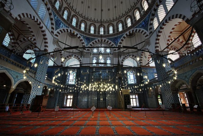 In the mosque of Rustem Pasha