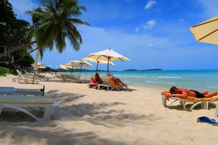 Samui Paradise Hotel with a magnificent beach