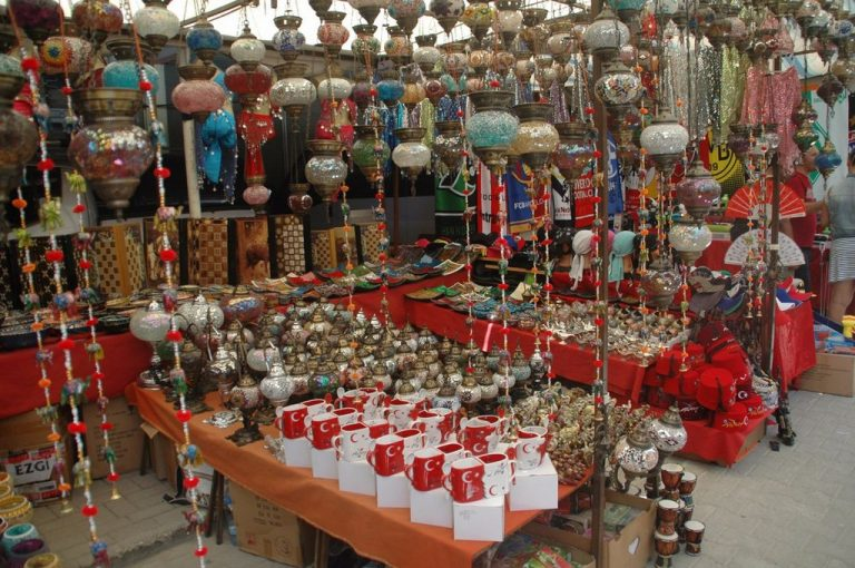 Souvenir shop at Manavgat waterfall
