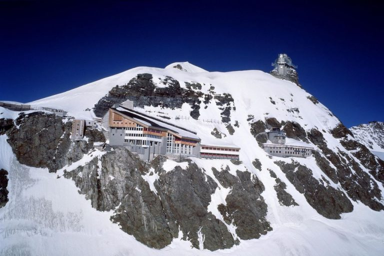 Observation deck of the Sphinx weather station, Jungfrau