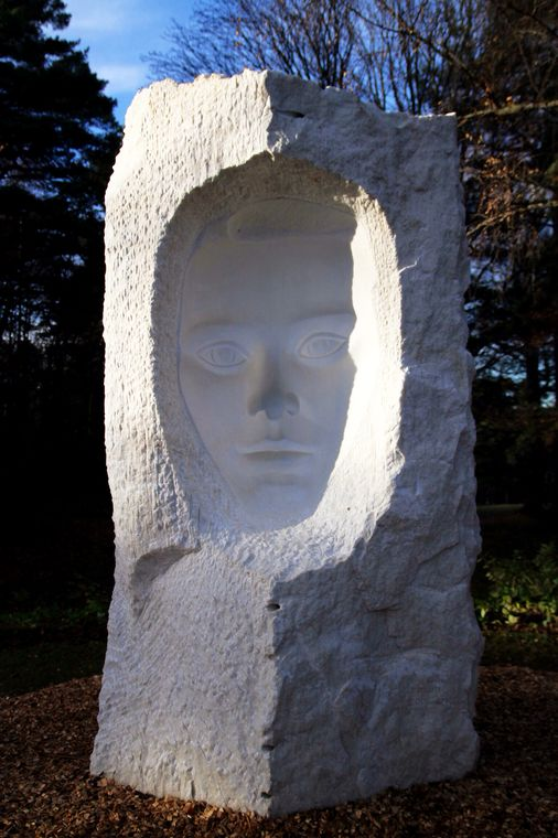 "The sculpture ""Face"" in the park Ekeberg"