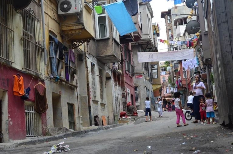 Dangerous and dirty area of ​​Tarlabashi