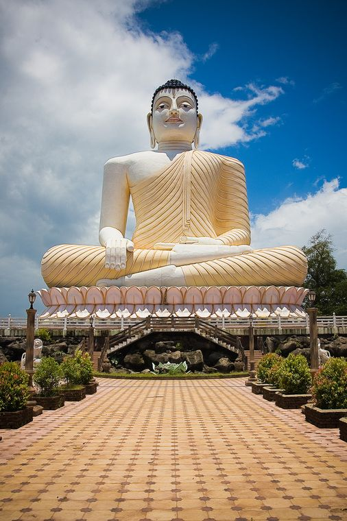 Photo: Statue of a seated Buddha in one of Bentota's temples.
