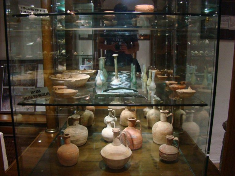 Exhibits at the Mugli Archaeological Museum